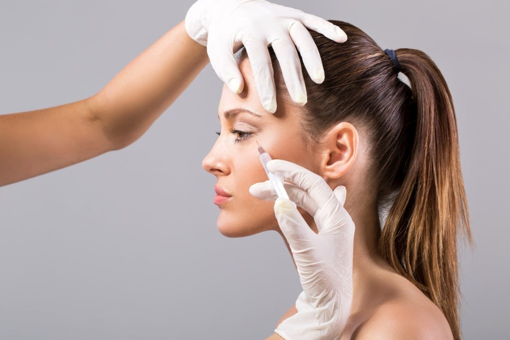 treatment with botox picture id532550945